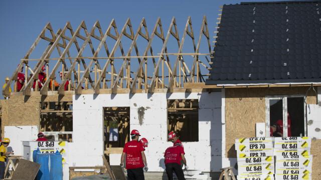 Habitat for Humanity caută 100 voluntari, care vor construi 8 case în 5 zile la BIG BUILD 2018