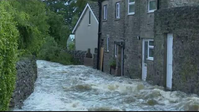 După caniculă, Marea Britanie e afectată de inundații. Ploile au produs pagube la ferme