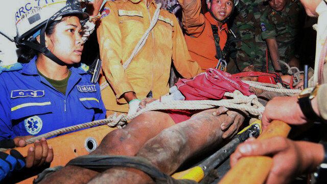 Un bărbat a rămas blocat, timp de 4 zile, într-o fisură în munte. Cum a fost salvat - Imaginea 2