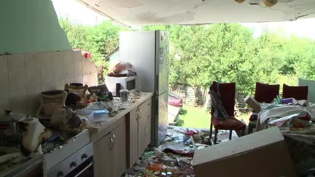 Casa unei familii din Iași s-a dezintegrat, după ce proprietarul a vrut să aprindă becul