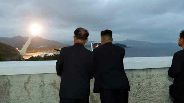 Coreea de Nord plănuieşte să atace SUA cu rachete nucleare lansate de pe submarine - Imaginea 1