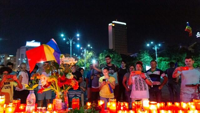 Altar ridicat în faţa Guvernului la protestul din 10 august