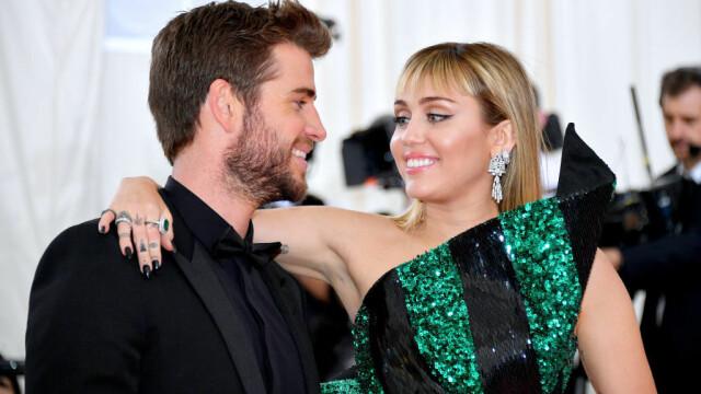 Divorț la Hollywood la jumătate de an de la nuntă. Miley Cyrus, surprinsă sărutând o femeie - Imaginea 4