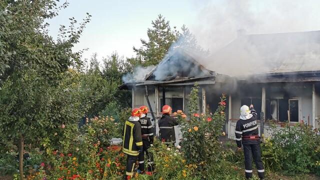 Incendiu puternic la mănăstirea Agafton din Botoșani - Imaginea 4
