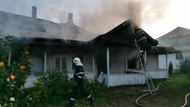 Incendiu puternic la mănăstirea Agafton din Botoșani - Imaginea 5
