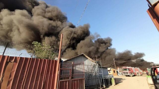 Incendiu puternic în Buzău - 1