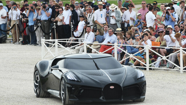 Cea mai scumpă mașină din istorie. Noul model Bugatti, cumpărat cu 16.800.000 €. FOTO - Imaginea 1