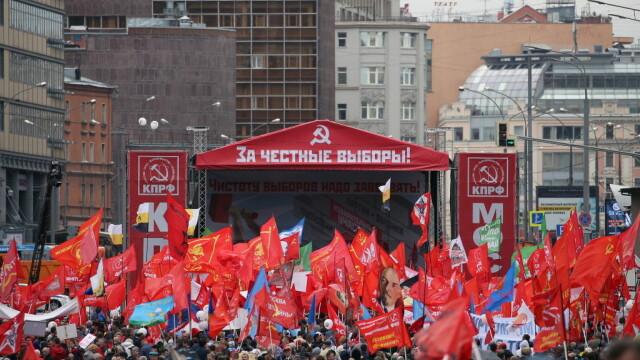"""Proteste la Moscova. Comuniștii și liberalii cer """"alegeri cinstite"""". FOTO - Imaginea 11"""