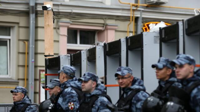 """Proteste la Moscova. Comuniștii și liberalii cer """"alegeri cinstite"""". FOTO - Imaginea 10"""