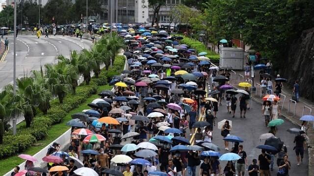 Mii de profesori, în stradă la Hong Kong. Armata chineză poate interveni oricând - Imaginea 2