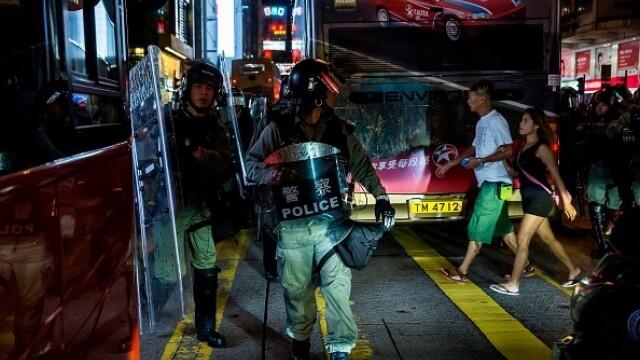 Mii de profesori, în stradă la Hong Kong. Armata chineză poate interveni oricând - Imaginea 8