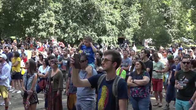 Relaxare în ultima zi a festivalului Awake. 40.000 de oameni s-au distrat la Târgu Mureş - Imaginea 3
