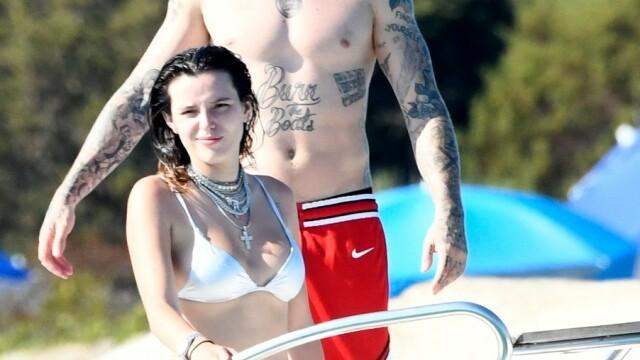 Bella Thorne, surprinsă purtând un bikini minuscul în vacanța în Italia. FOTO - Imaginea 7