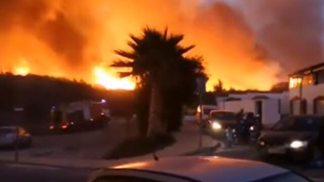 Incendiu uriaș în stațiunea Marbella. Zeci de case evacuate. VIDEO
