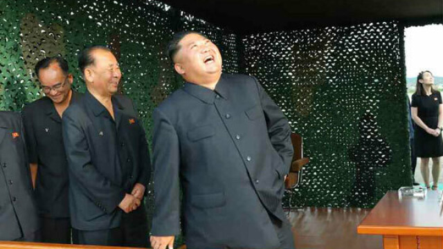 Coreea de Nord plănuieşte să atace SUA cu rachete nucleare lansate de pe submarine - Imaginea 14