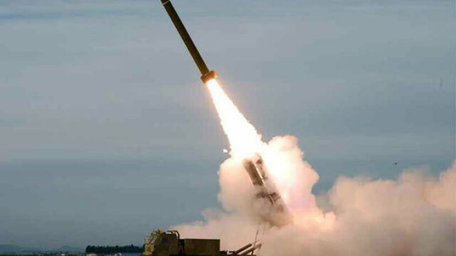 Coreea de Nord plănuieşte să atace SUA cu rachete nucleare lansate de pe submarine - Imaginea 16
