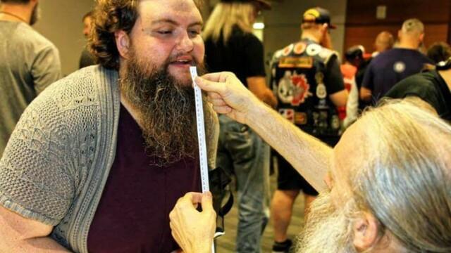 Cum arată femeia care bate bărbații la concursurile de bărbi. FOTO - Imaginea 5