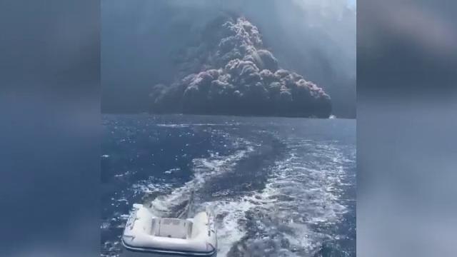 Panică după erupția vulcanului Stromboli
