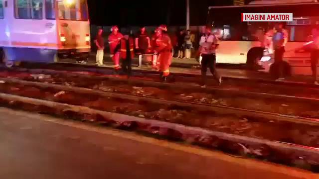 Bărbat lovit în plin de un tramvai, în Capitală. Șoseaua era în beznă totală