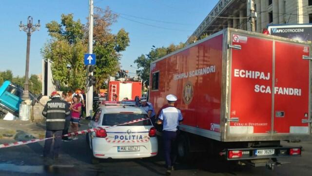 Un autobuz STB a căzut în râul Dâmbovița în urma unui accident rutier. Cine era în autovehicul - Imaginea 9