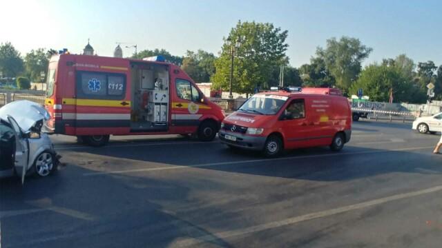 Un autobuz STB a căzut în râul Dâmbovița în urma unui accident rutier. Cine era în autovehicul - Imaginea 4