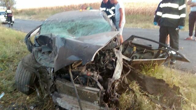 Accident grav în Ialomiţa. Una dintre victime, adusă cu elicoperul SMURD în Capitală