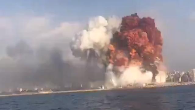 Povestea din spatele exploziei devastatoare din Beirut. Cui aparținea nava ce a adus nitratul de amoniu în Liban - Imaginea 1