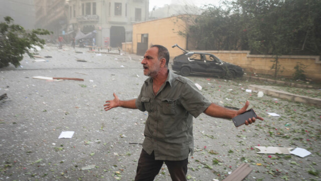 Explozii devastatoare în portul Beirut. Cel puțin 50 de morți și 3.000 de răniți în urma deflagrației - Imaginea 9