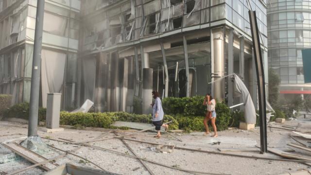 Explozii devastatoare în portul Beirut. Cel puțin 50 de morți și 3.000 de răniți în urma deflagrației - Imaginea 10