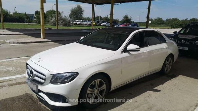 Ce au aflat polițiștii de frontieră când au controlat un șofer care venea din Germania cu un Mercedes - Imaginea 3