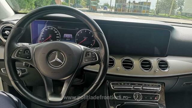 Ce au aflat polițiștii de frontieră când au controlat un șofer care venea din Germania cu un Mercedes - Imaginea 5