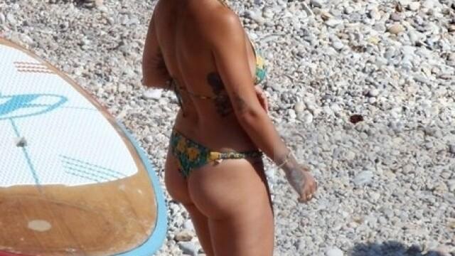 Vacanță în Ibiza. Rita Ora a postat fotografii topless pe Instagram - Imaginea 5