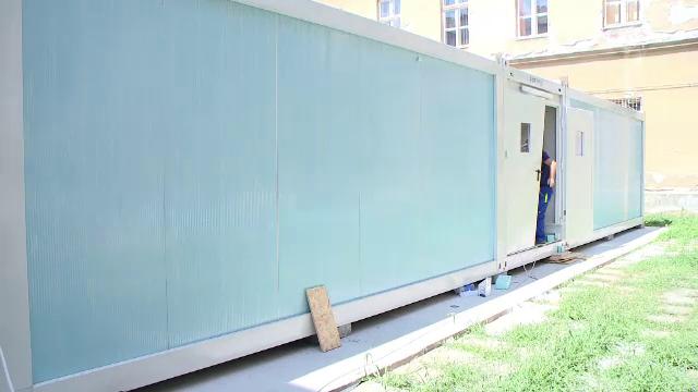 Cum vor funcționa școlile din septembrie. Ore ținute în containere și elevi testați lunar pentru Covid