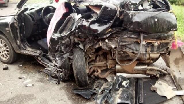 Accident cu 3 mașini provocat de un șofer băut. Patru oameni au ajuns la spital - Imaginea 2