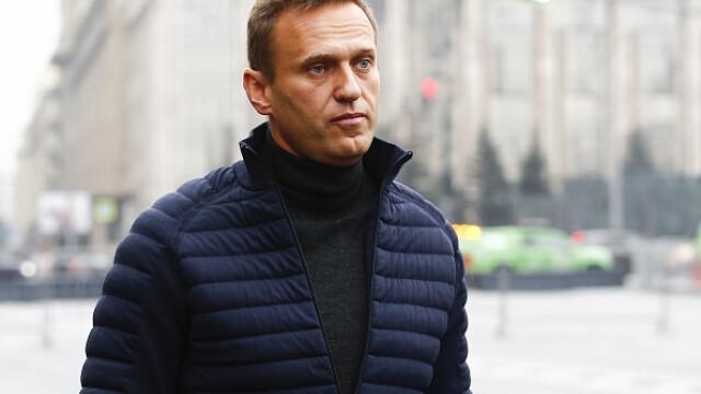 Momentul în care Aleksei Navalnîi ar fi fost otrăvit, surprins în aeroport. FOTO