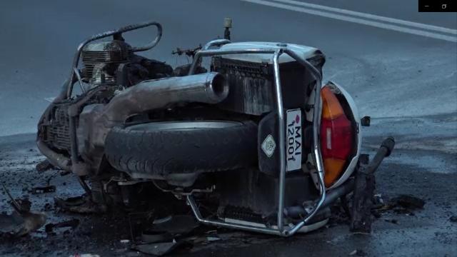 Șcene șocante în Buzău. O șoferiță a intrat intenționat cu mașina într-un poliţist aflat pe motocicletă