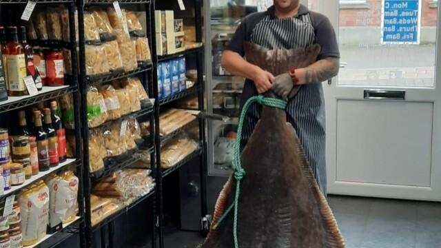 Captură impresionantă. Cum arată peștele de 134 de kilograme, în vârstă de 80 de ani. GALERIE FOTO - Imaginea 4