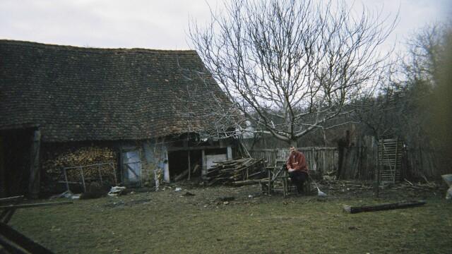 Țara Făgărașului. Casa desprinsă dintr-un colț de Rai care a schimbat viața unui om - Imaginea 6