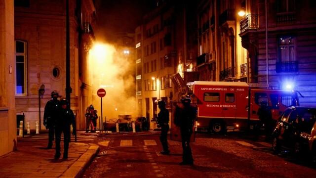FOTO&VIDEO Violențe la Paris în timpul şi după finala Ligii Campionilor, pierdută de PSG - Imaginea 4