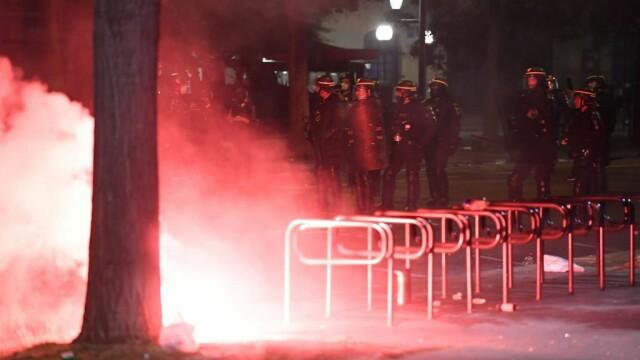 FOTO&VIDEO Violențe la Paris în timpul şi după finala Ligii Campionilor, pierdută de PSG - Imaginea 8