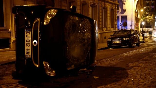 FOTO&VIDEO Violențe la Paris în timpul şi după finala Ligii Campionilor, pierdută de PSG - Imaginea 9
