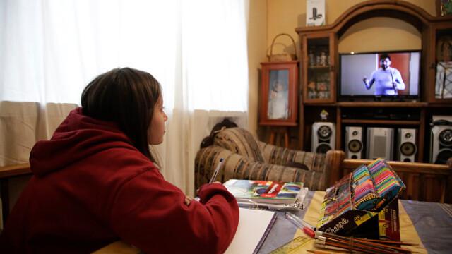 Țara în care școala a început la televizor. Cum se desfășoară cursurile. GALERIE FOTO - Imaginea 7