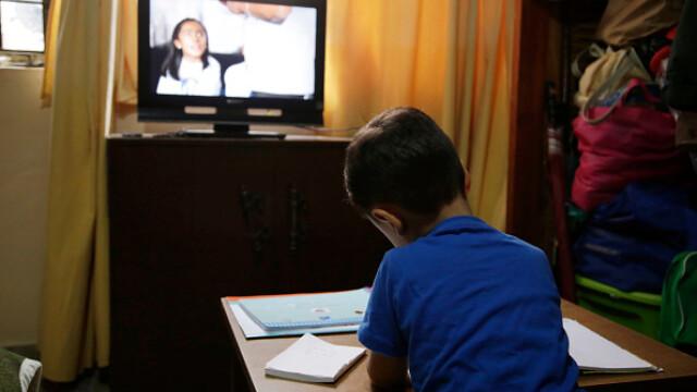 Țara în care școala a început la televizor. Cum se desfășoară cursurile. GALERIE FOTO - Imaginea 6