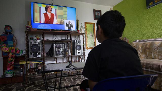 Țara în care școala a început la televizor. Cum se desfășoară cursurile. GALERIE FOTO - Imaginea 3