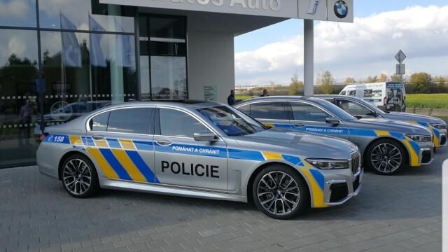 FOTO. Mașinile de Poliție au fost colantate în concordanţă cu cele ale altor state UE - Imaginea 3