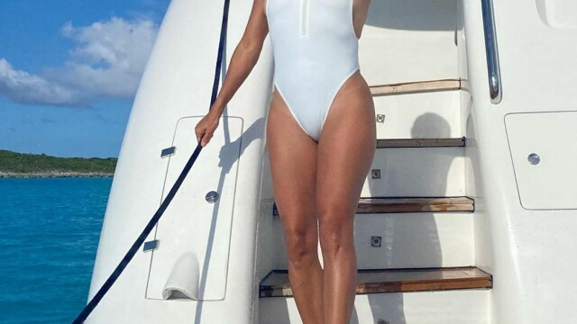 Eva Longoria, într-o formă fizică de invidiat la 45 de ani. Actrița își petrece vacanța în Mexic - Imaginea 7