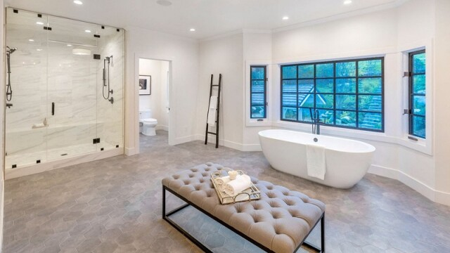 Cum arată vila de 5 milioane de dolari cumpărată de Miley Cyrus la Los Angeles - Imaginea 9