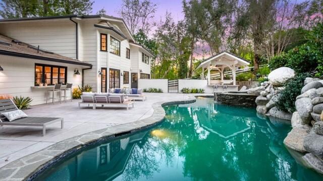 Cum arată vila de 5 milioane de dolari cumpărată de Miley Cyrus la Los Angeles - Imaginea 11