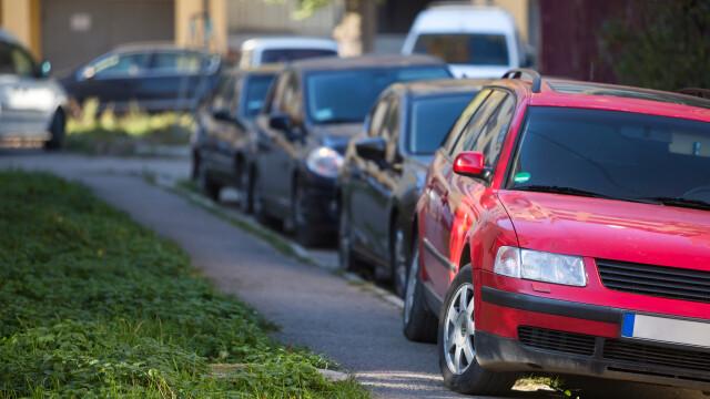 Ţara din Europa care ar putea interzice parcarea pe trotuar