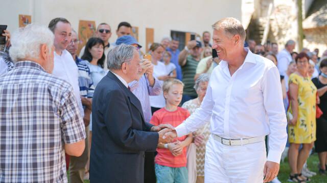 """Klaus Iohannis s-a întâlnit cu Gheorghe Hagi la Festivalul """"Săptămâna Haferland"""" din Brașov GALERIE FOTO - Imaginea 4"""